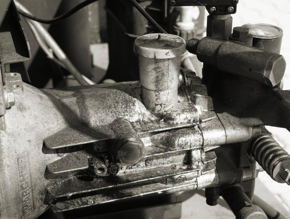machine-1695598_1920